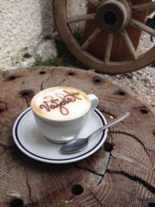 Vegetarisch und vegan unterwegs auf Reisen - Cappuccino mit Sojamilch